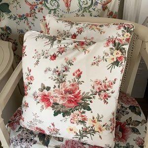 RARE Ralph Lauren floral accent pillows